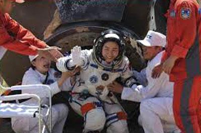 Китайский космонавт  прочиталa лекцию с орбиты