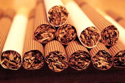 За пачку сигарет в России придется отдать 200 рублей