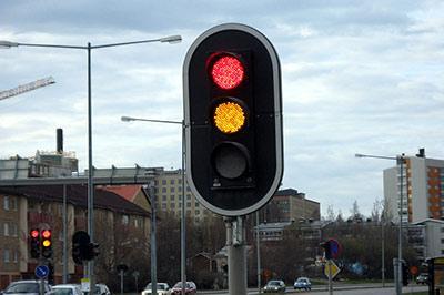 За пересечение стоп-линии светофора будут штрафовать
