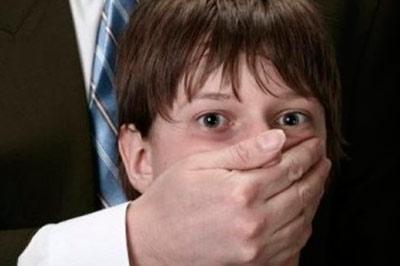 Приобретенного русского мальчика педофилы использовали для съемок в порнофильмах