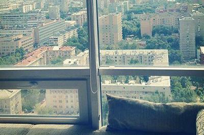 Анфиса Чехова вместе со своей семьей переехала в новую квартиру