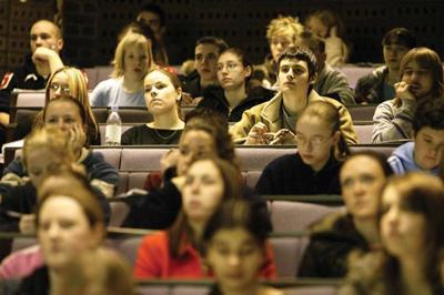 Михаил Барщевский утверждает, что студентам незачем платить стипендию