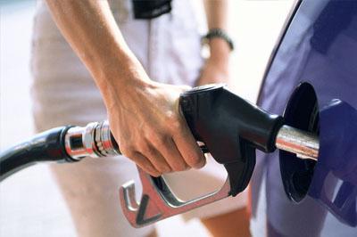 В 2014 может подорожать бензин