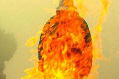 После того как мужчина покурил «Спайсов» он совершил акт самосожжения