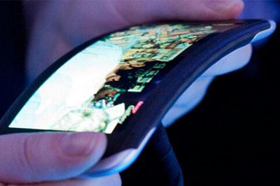 В ноябре LG выпустит телефон с гнущимся дисплеем