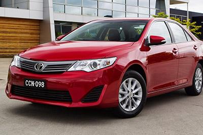 Toyota отзывает около 900 тысяч автомобилей