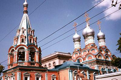 В Москве вооруженная группа лиц напала на православный храм