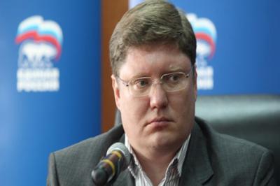 Исаев подал заявление об отстранении его от должности заместителя секретаря Генерального совета партии