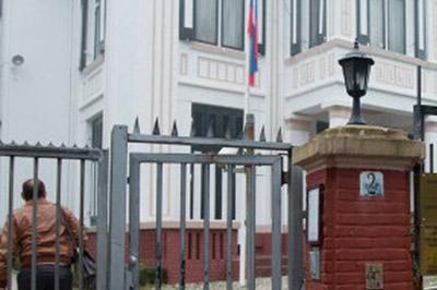 Жириновский разобьет окна в посольстве Нидерландов