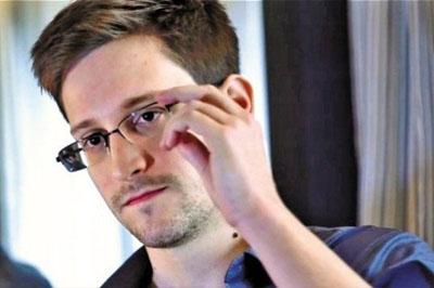 Британский парламент потребовал объяснений у руководителей разведки после разоблачений Сноудена