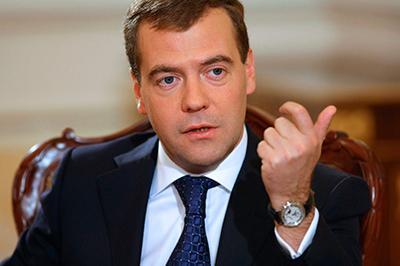 Dmitriy-Medvedev-Rossii-vazhno-vyrabotat-soglasovannye-s-Azerbaydzhanom-pozitsii-медведев