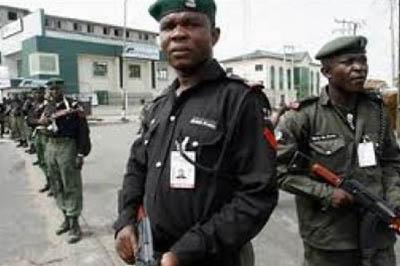 Nigerian_police_294434442