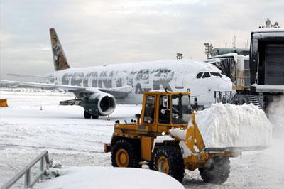 В Нью-Йорке ввели режим ЧП из-за сильных снегопадов