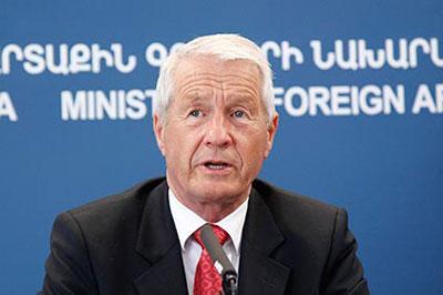 Сергей Лавров призывает не вмешиваться Европу в дела Украины