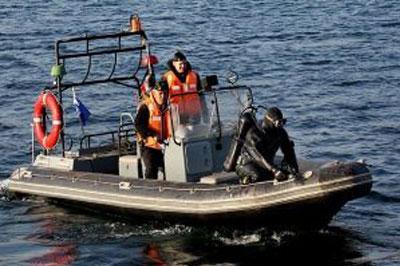 Возле острова Кунашир перевернулась лодка с пограничниками – 10 человек погибло