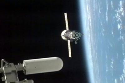 «Прогресс» отшвартовался от МКС