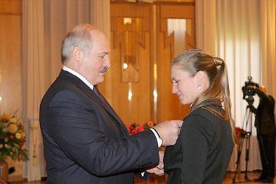 Александр Лукашенко присвоил Дарье Домрачевой звание «Герой Беларуси»