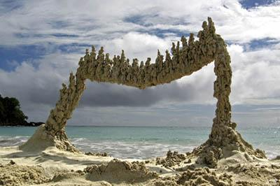 gravity-defying-sand-sculptures7