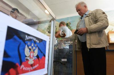 В Донецке и Луганске начался запланированный референдум