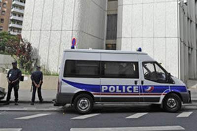634893729-polizei-frankreich-2Z06