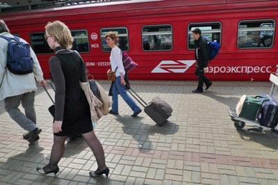 Поезда «Аэроэкспресса» направляющихся в Шереметьево сняли из-за удара молнии