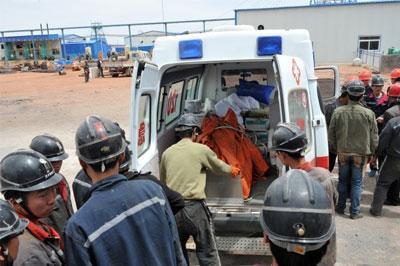 На шахте в Китае погибло 17 работников