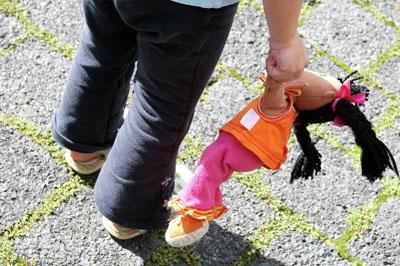 В Госдуме предложили запретить усыновлять детей гражданам тех стран, которые ввели санкции против РФ