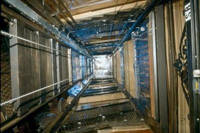 201206211445060.lift