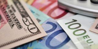 На бирже курс евро превысил 49 рублей