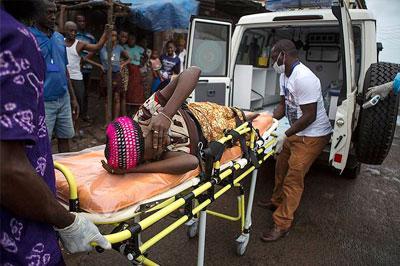 За два дня Эболой заболело еще 300 человек