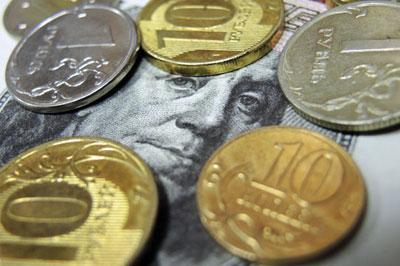 Евро поднялся выше 52 рублей