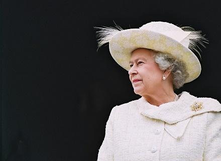 queen-elizabeth2 (1)