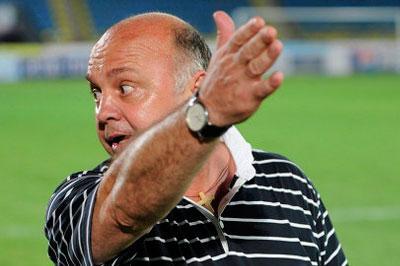 Защитник «Ростова» Сиянда Кcулу отказывается работать с тренером из-за его расистских шуток