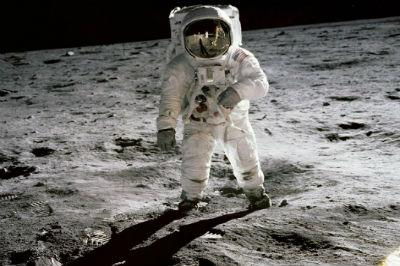 297167main_apollo_11_946-710