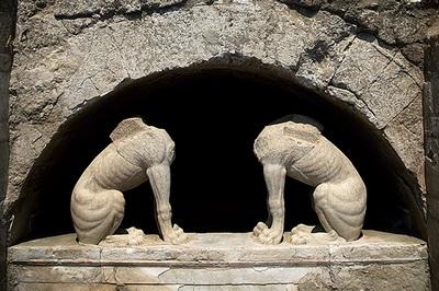 Крупнейшая гробница в Древней Греции