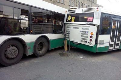 v-habarovske-stolknulis-dva-reisovykh-avtobusa