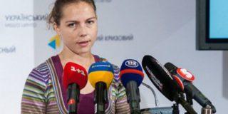 Сестра Надежды Савченко перевезла через границу книги, написанные летчицей