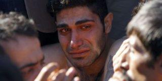 На греческо-македонской границе несколько иранских беженцев зашили себе рты в знак протеста