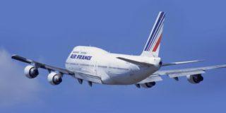 Авиационная компания Air France опасается терактов и меняет курс своих самолетов