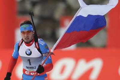 Антон Шипулин взял серебро на этапе Кубка мира по биатлону