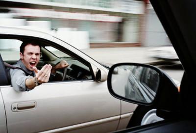 В Москве предложили изымать права у агрессивных водителей