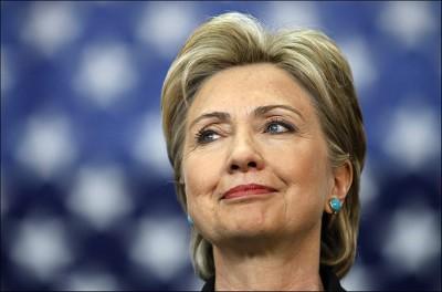 Российские депутаты собрались наказать санкциями американских чиновников и Хиллари Клинтон