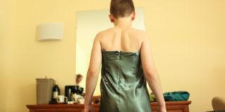 Воспитание по-башкирски: в Уфе воспитательница детсада заставляла мальчиков ходить в платьях