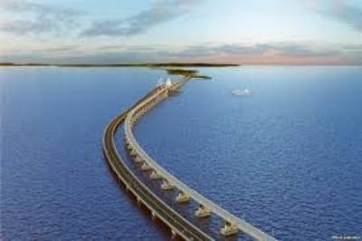 Мост через Керченский пролив строится ударными темпами