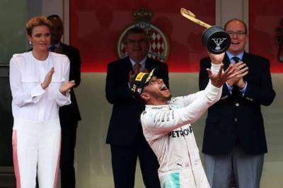 В гонке Гран-при Монако Квяту опять не повезло (видео)