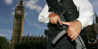 Британский парламент оцеплен – полиция ищет белый порошок