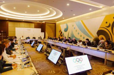 МОК отложил решение по российской сборной до получения результатов повторных анализов
