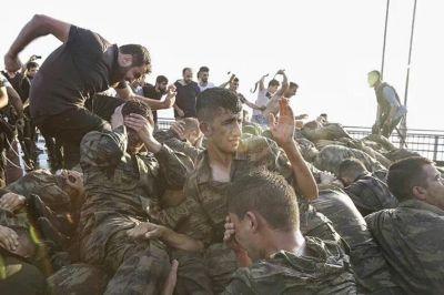 Премьер Турции Чавушоглу отметил особую поддержку Турции Россией во время мятежа