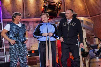 В номере гостиницы, в городе Екатеринбурге, обнаружено тело директора шоу «Уральские пельмени