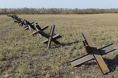 Награнице соккупированным Крымом установят противотанковые ежи